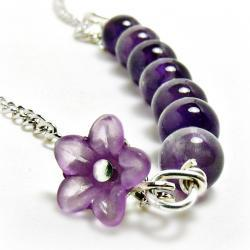 Amethyst Bar Necklace w/ Flower-Amethyst necklace, amethyst jewlery, purple necklace , purple jewelry, flower jewelry , gift for her, graduation gift, february bithstone, gemstone necklace, gemstone jewelry, simple necklace, simple jewelry, bead necklace , bead jewelry